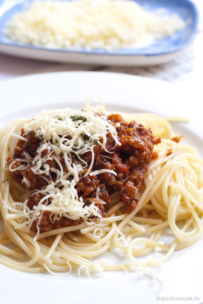 spaghetti z sosem bolognese, spaghetti z sosem bolonskim