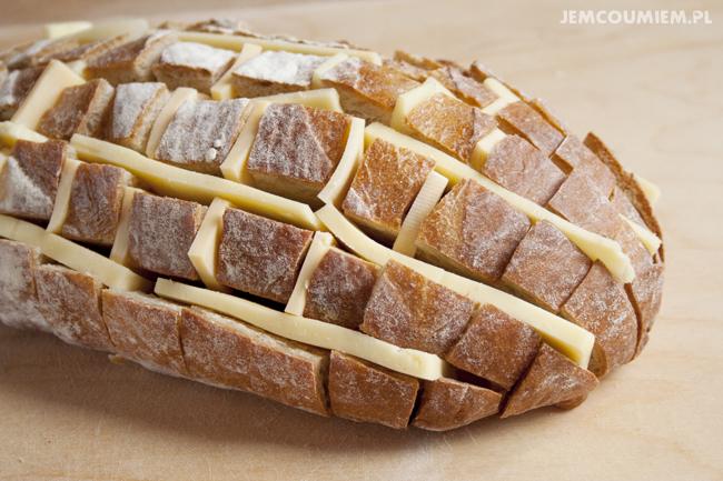Odrywany chleb z serem i zieloną cebulką | Jem Co Umiem